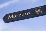 museum_direction_sign